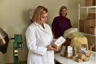 """Socijalno preduzeće """"Chrono"""" iz Leskovca proizvodi mešavine za hrono hleb i pomaže da teško zapošljive grupe ostvare zaradu"""
